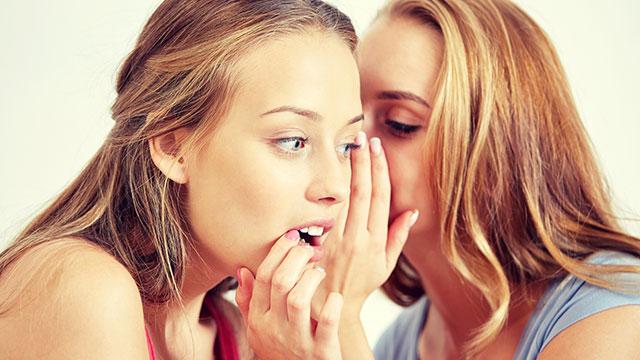 エッチな話って好き?女同士でエッチな話をする人は57.7%です!