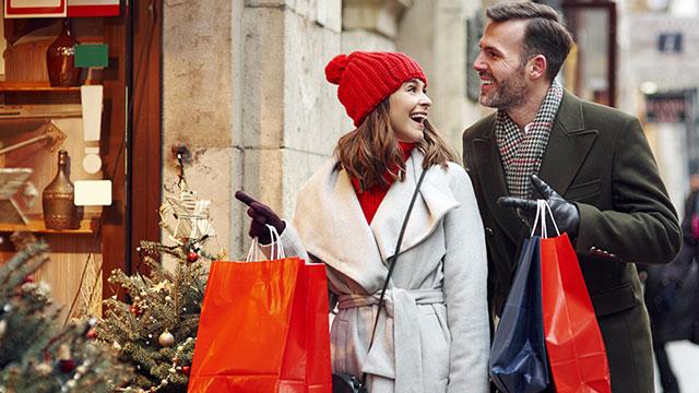 クリスマスは愛を深める季節!彼との関係をステップアップさせる方法