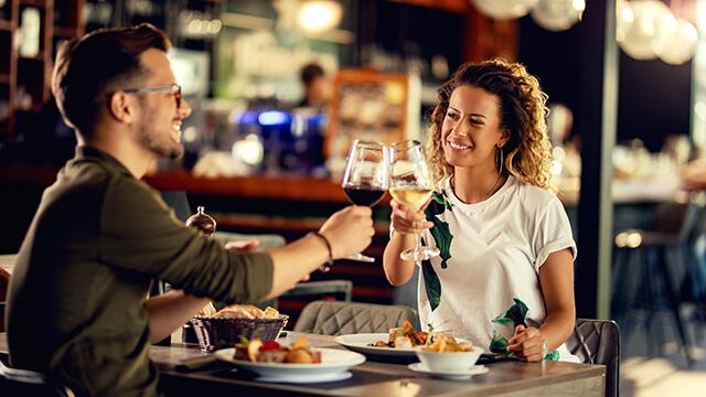 初対面の男性との距離を縮める?!会話を盛り上げるテクニック