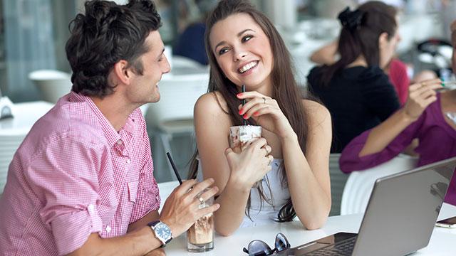 自分からデートに誘ってる女子必見!彼からデートに誘ってもらう方法