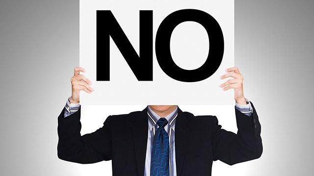 職場で恋愛対象外に…社会人男性が「彼女にしたくない」と思う同僚女性ランキング