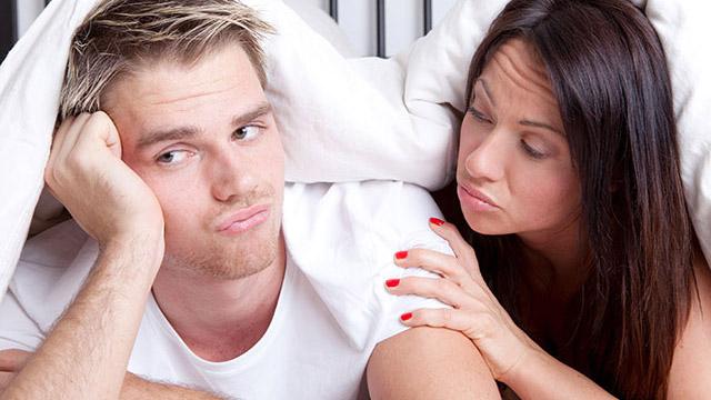 セックスのとき、勃たない彼へのなぐさめのセリフ7パターン