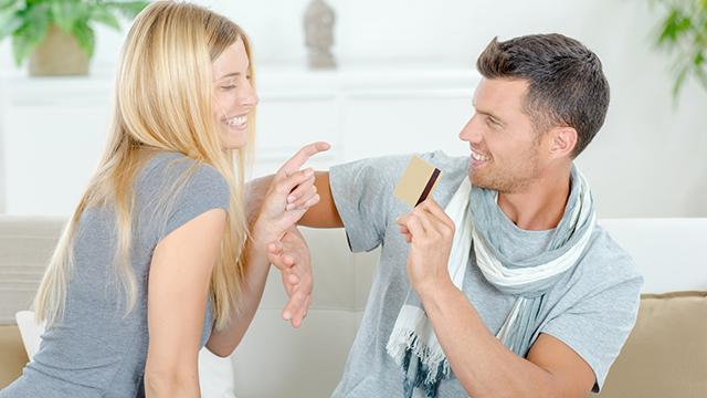 男性が思わず拒んでしまう「女性からのお誘い」4パターン