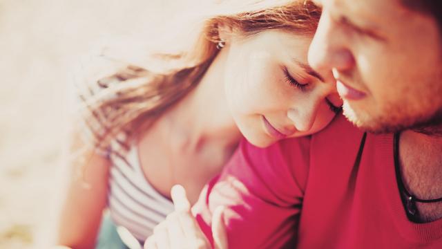 男性が彼女に「好きだよ」と言葉ではなかなか言わない理由