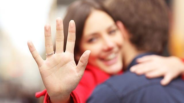 遠距離恋愛の不安を乗り越えゴールインできるカップルの共通点が判明