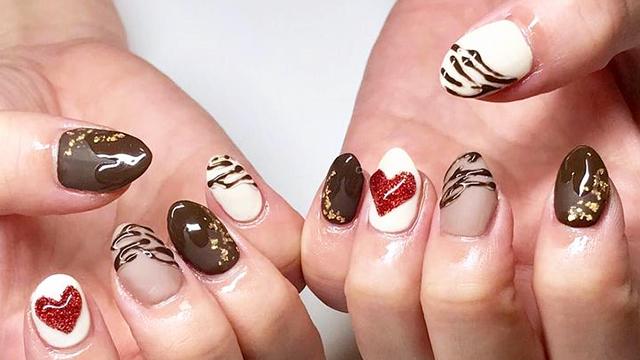 バレンタインシーズンにぴったり♡甘くてキュートなチョコネイル10選♡