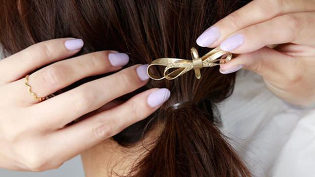 いつも同じヘアアクセを使ってない?まとめ髪の雰囲気を変える可愛いアイテム特集