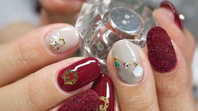 クリスマスカラーで大人っぽ可愛いネイル♪クリスマスを楽しむ大人ネイル8選