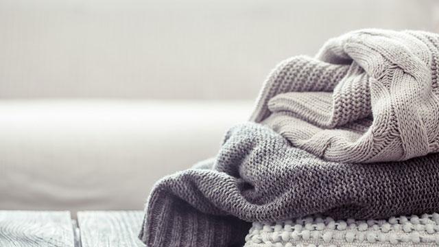 冬こそ気になる!かさばりがちなニット、キレイに収納するには?