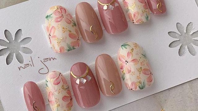 やっぱり春はフラワーネイル♡季節を先取りする大人可愛いネイルデザイン12選
