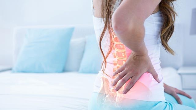 辛い腰痛を改善しましょ♪腰痛に効果のあるエクササイズ3選
