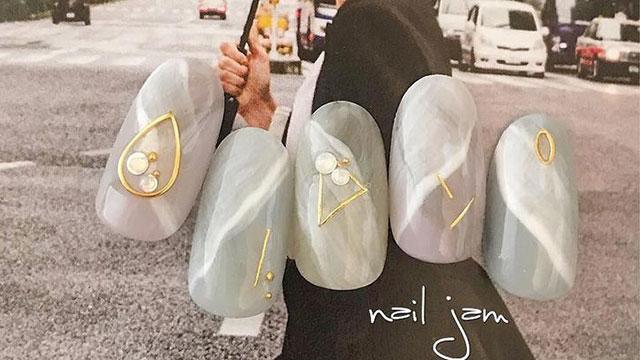 高級感あるデザインを指先に♡華やかに見せる大理石ネイル8選