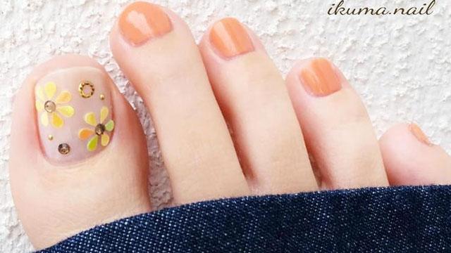 夏到来!おしゃれは足元から…【フットネイル】でサンダルから見える指先も可愛くしよう♪