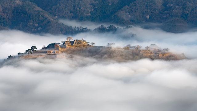 一度は見てみたい♡雲に浮かんで見える天空の城5つ