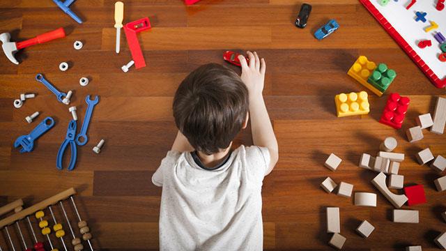 こんな時どうすれば良い?おもちゃを取り合う子供の心理に隠されたサインとは