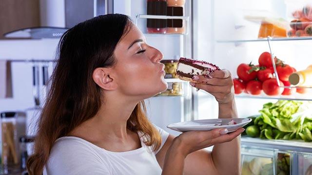 夕食は◯時までに食べると脂肪がつきにくい?!生活習慣を改善して痩せよう♪