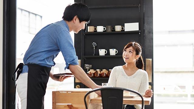 会いたくてまた来ちゃった!カフェ・喫茶店の店員さんへの恋を成就させる方法4つ