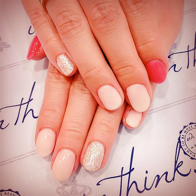 甘さ控えめmilky nail