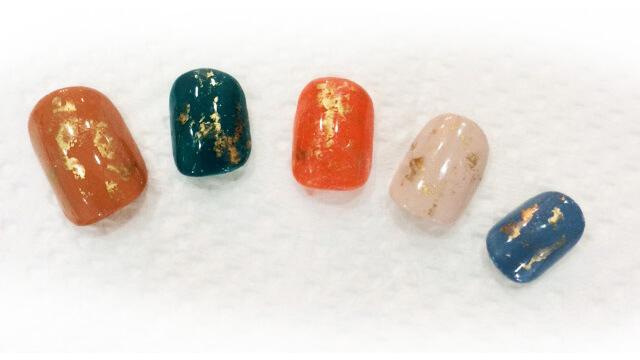 セルフネイルで秋らしいくすみ色のヴィンテージデザインに挑戦!