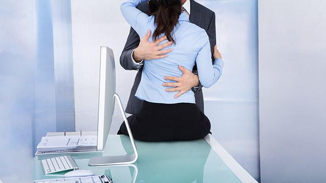 社内恋愛禁止じゃないけどなんとなく隠している上司との関係