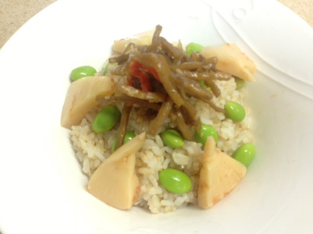 枝豆・きんぴら・たけのこの煮物ご飯