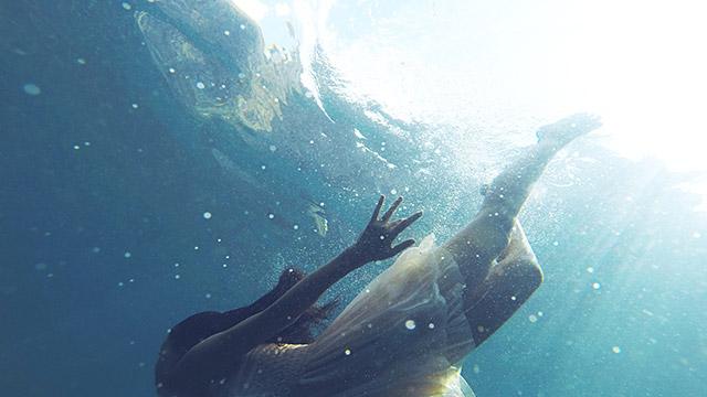 【恋の運命診断】海の中で!?