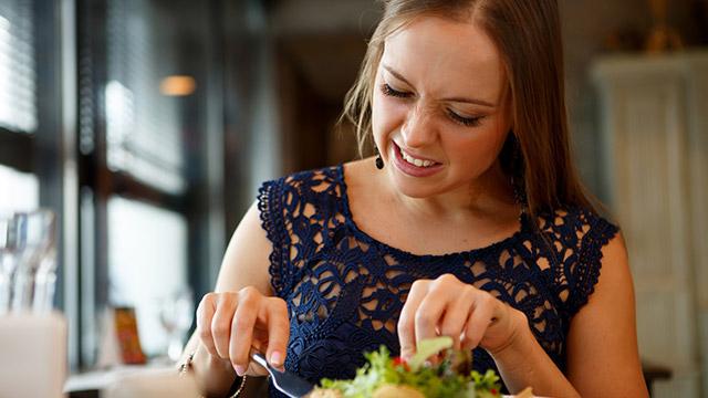 【嫌われ指数診断】恋人の手料理を食べる