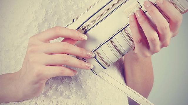 【人間性診断】財布を落とした!中に入ってる一番見られたくないものって?