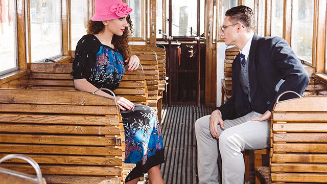 【過去の恋のダメージ指数診断】電車の中で元恋人と目が合ってしまったら…