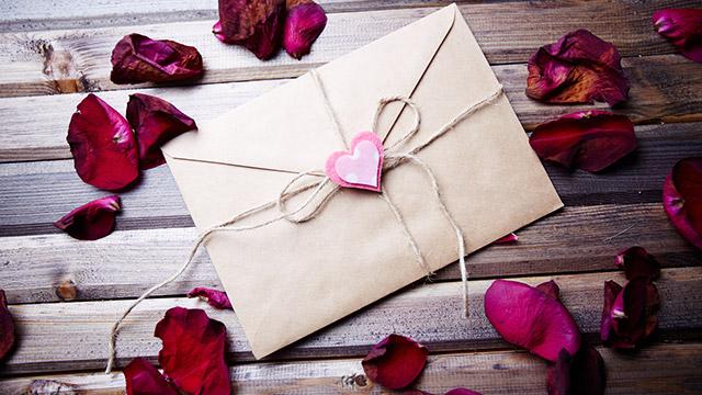 【過去の恋を清算できてるか診断】昔貰った手紙を燃やす!燃える様子はどんな?