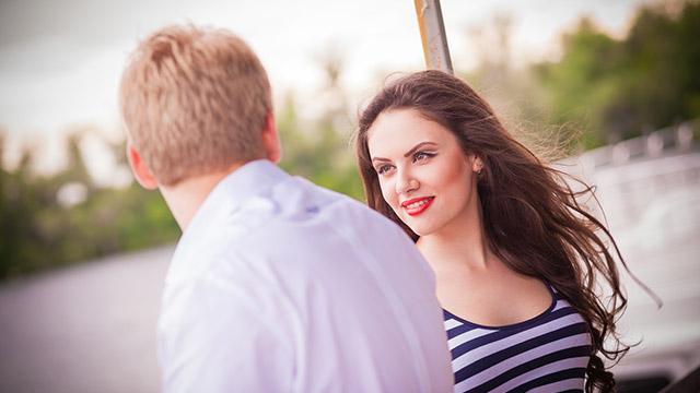【恋愛に対する積極度診断】デート中に大変な人ごみ!どうする?