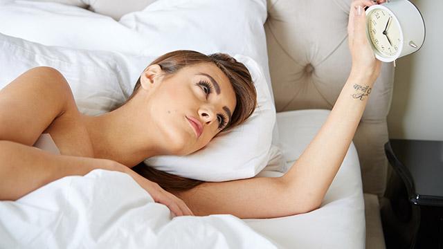 【性格診断】恋人との旅行当日の朝。どのくらいの時間に目が覚めた?
