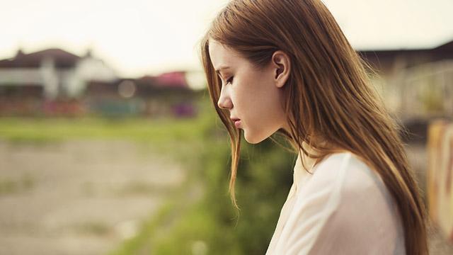 【恋人に対する態度診断】友達と同時に告白。1日待ったけど返事がないなら…