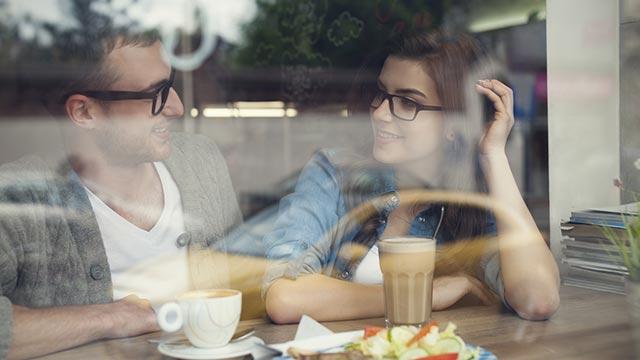 【目立ちたがり指数診断】恋人の友達と二人きり。何の話をする?