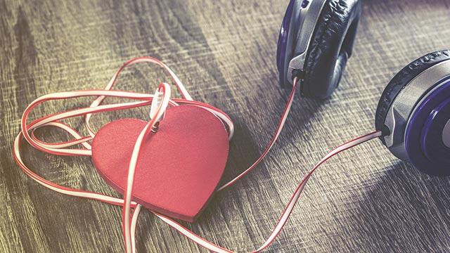 【恋のストレス度合い診断】片想いの人が薦めてきた曲が嫌いなら…
