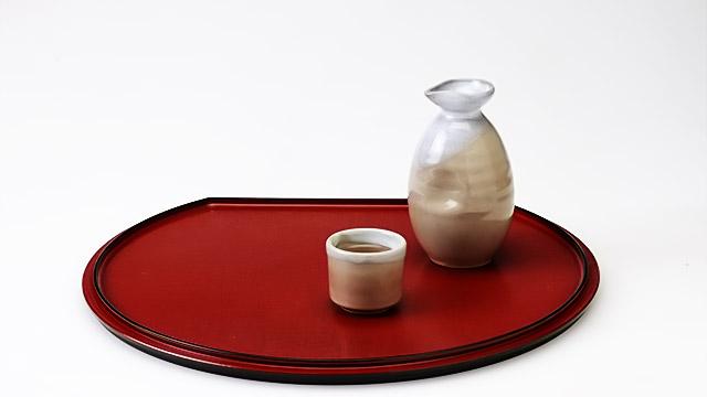 お酒の席にて「銚子」でお酒を注ぐときのマナー