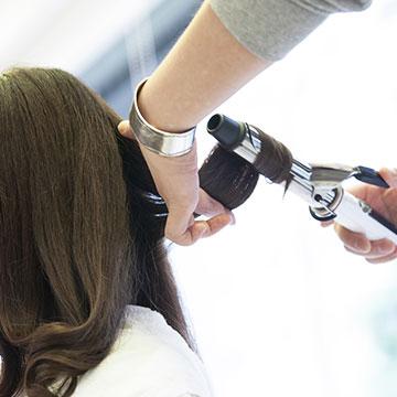 ヘアアイロン&コテ徹底分析!コテの太さや温度で変わる巻き髪