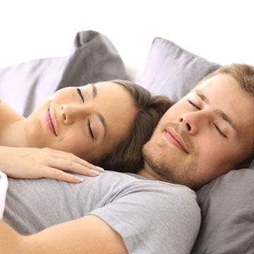 男性が彼女と添い寝してる時にされたいことって?もちろんこの6つ♡