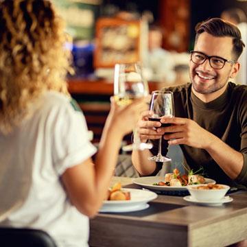 大好きな男性とサシ飲みデート確定!上手く進めるコツは?