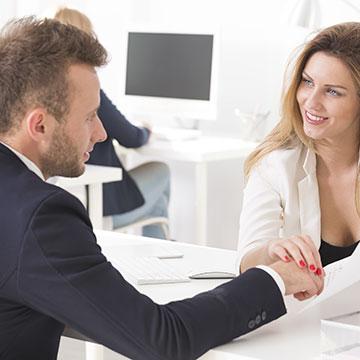 社内恋愛を攻略したい!彼との距離を縮める6つのアプローチ法♡
