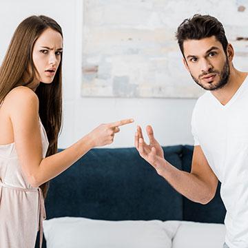 男性を不快にさせがち!プライドが高い女性の恋愛中の行動って?