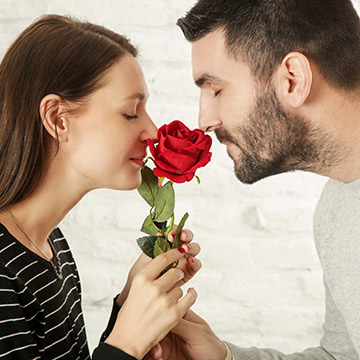 バラ色の恋を望みながら自滅!女性が恋愛でつまづく原因