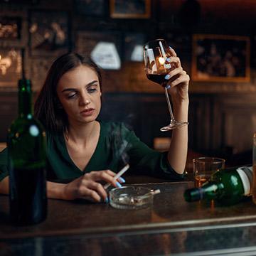 男に幻滅されがち!酔うとめんどくさい女たちの振る舞いとは?
