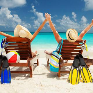 昼夜逆転の生活になる女性は73%も!夏の解放感からついやってしまうこととは