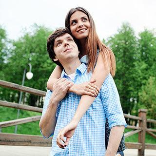 「見た目も中身も完璧な40代の独身男性は何か問題がある」と思っている女性は約50%もいる!?