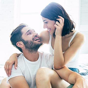 男性が女性にふいに触られると弱い場所とは?
