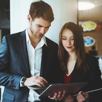 男性は自分より収入の多い女性と付き合える?