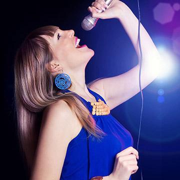 カラオケで歌う前にダイエット効果のあるストレッチ