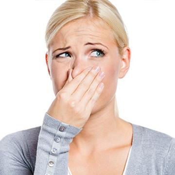 気になる体臭の原因となる食べ物とは?体臭の抑え方