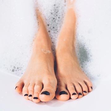 女性に多い「巻き爪」は爪の切り方や靴が原因